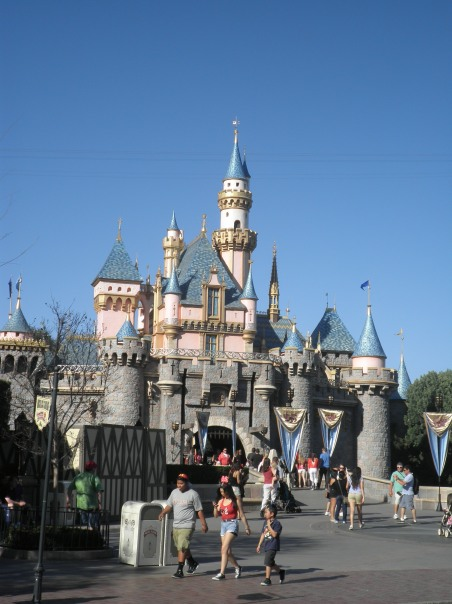 Disney Disneyland Castle Princess California Disneyworld Cinderella Blog Blogger Travel Blog ThatEmily
